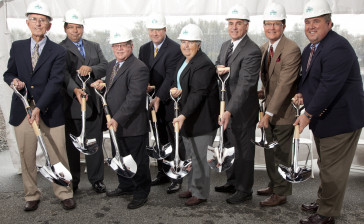 Groundbreaking-Board 2011-_MG_4630